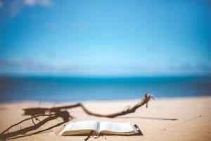 Los científicos dicen que visitar la playa te cambia la psique de una manera increíble