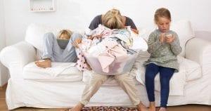 Los maridos agobian a las mujeres diez veces más que los hijos